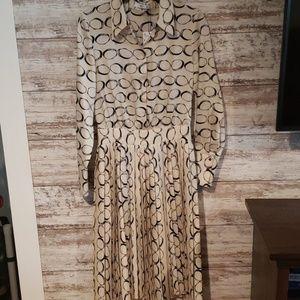 NWT MNG Dress size 4 long sleeve Beautiful